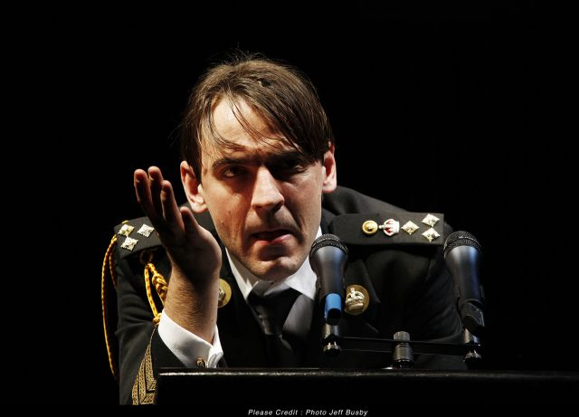 an analysis of the play richard iii by william shakespeare Of all his plays, shakespeare's history plays are likely to challenge the reading  and interpretation skills of high school and college students because of the.