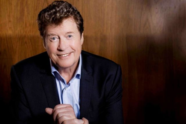 Michael crawford the original phantom stage whispers for The crawford