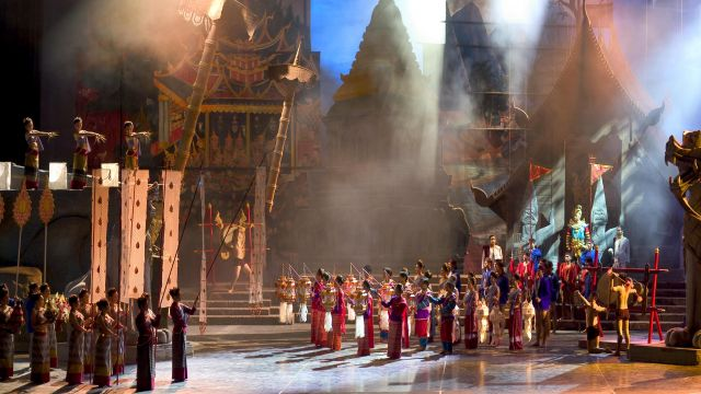 Dances, Puppets and Elephants on a Grand Scale : Postcard from Thailand.