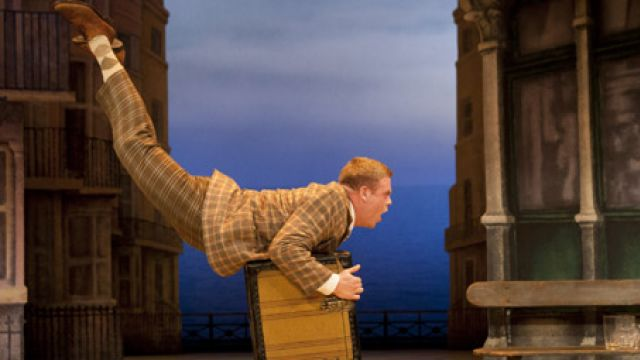 International Hit One Man, Two Guvnors to tour Australia