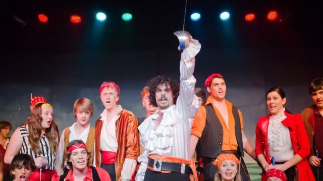 Traditional Pirates Romp Through Blue Mountains