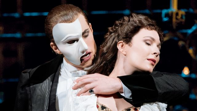 The Phantom of the Opera Postponed to 2022